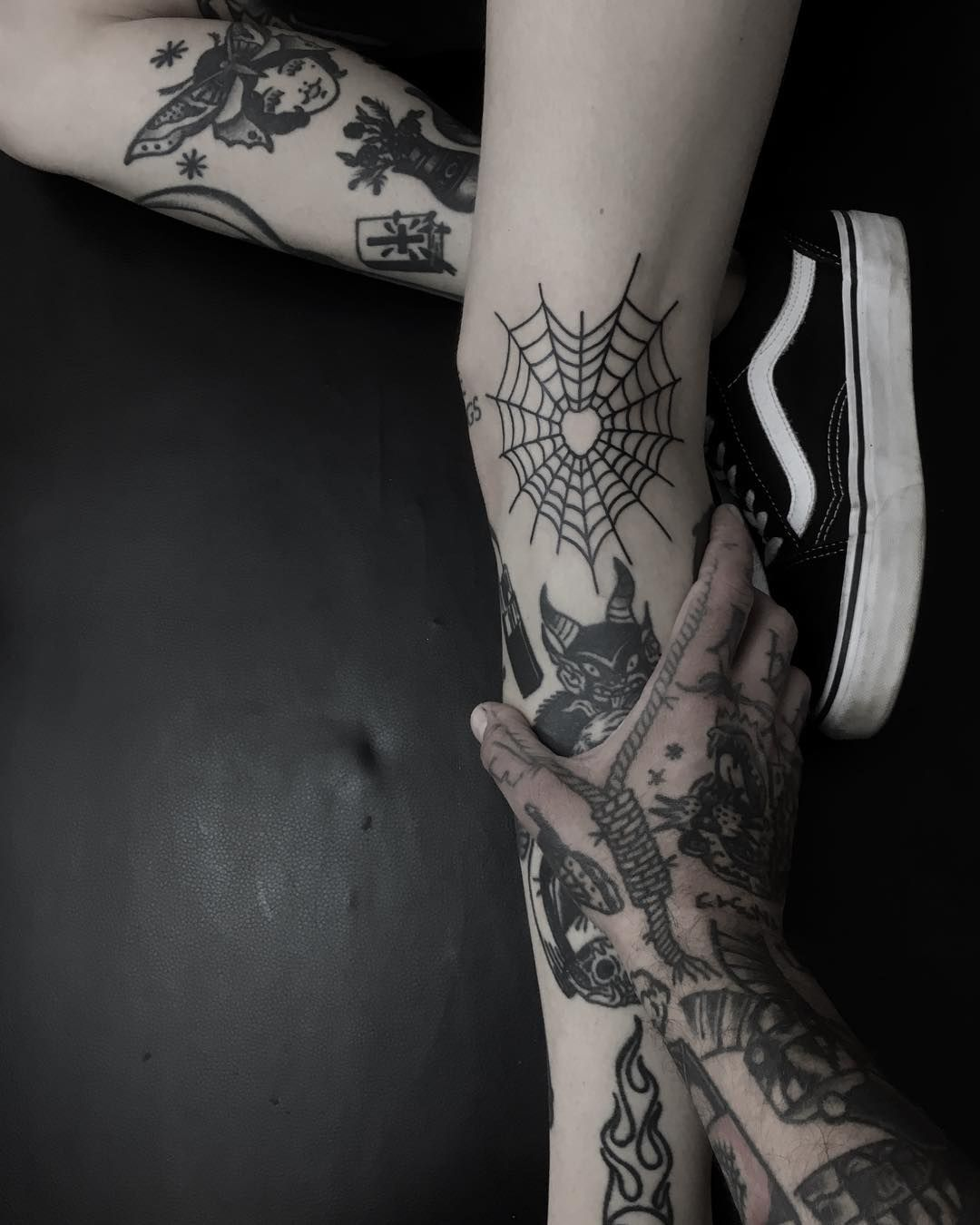 Heart-shaped spiderweb by Krzysztof Szeszko | Web tattoo, Ink ...