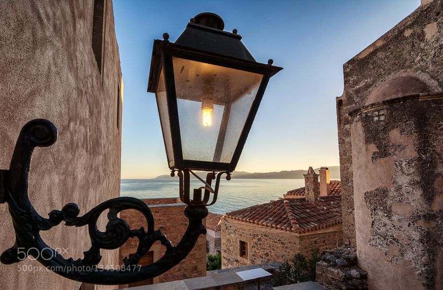 Monemvasia Castle Town Pinned By Mak Khalaf Monemvasia Castle Town Is A Fortress That Was Founded In 583 By Inhabitants Of The Mainlan With Images Towns Castle Byzantine