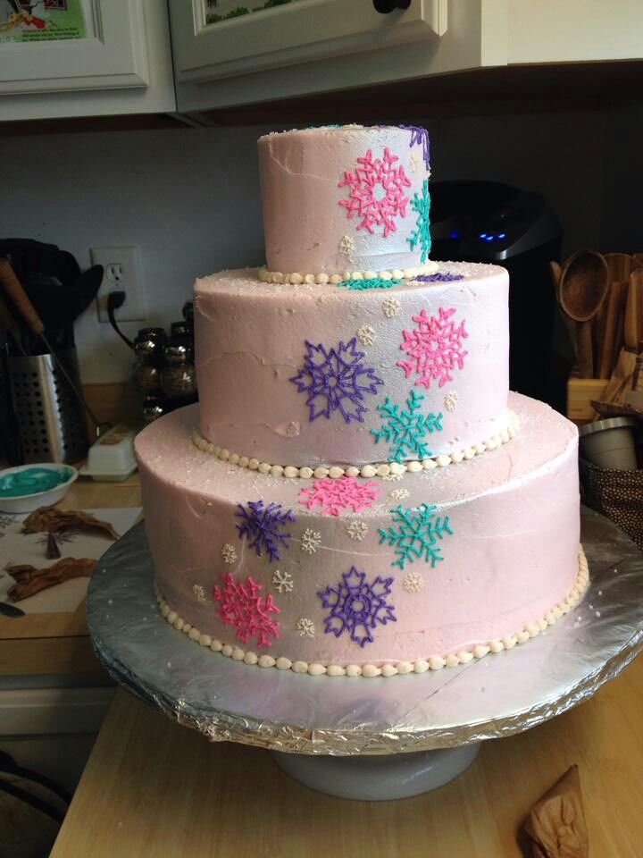 Our Frozen Birthday Cake By A Good Friend Grissinger Top Tier Was 1 Year Olds Smash