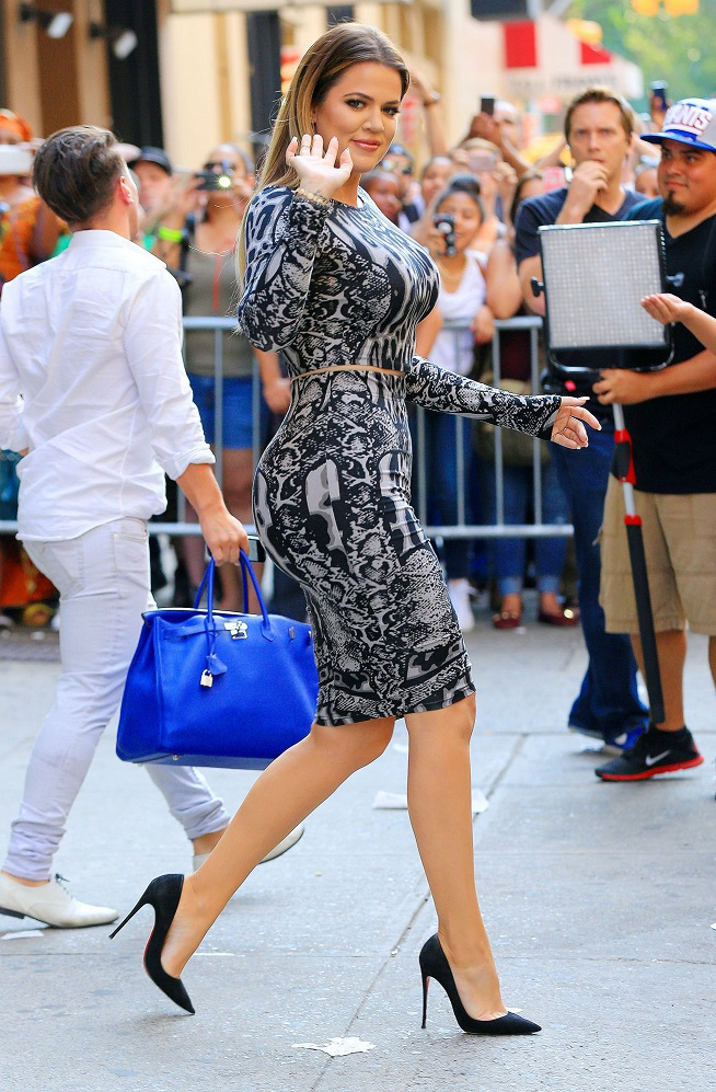 "lovealwaysrese: "" khloekardashianfashionstyle: "" July 7, 2014 - Khloe Kardashian out in NYC. "" SLAYYYYYYYYYYY """