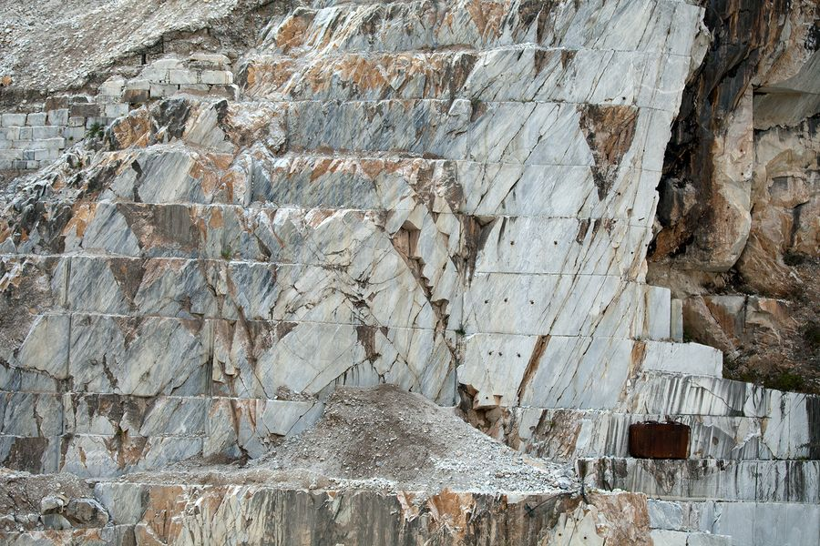 A tour of Carrara marble quarries between art and gastronomy