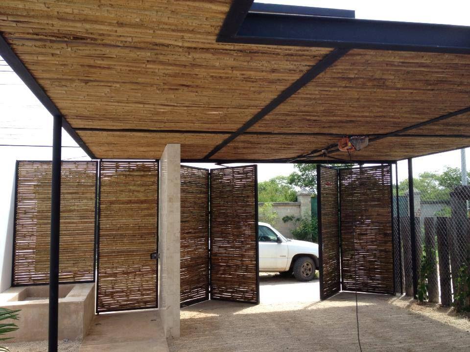 Frentes de casas con portones de madera y palos buscar for Puertas y portones de madera