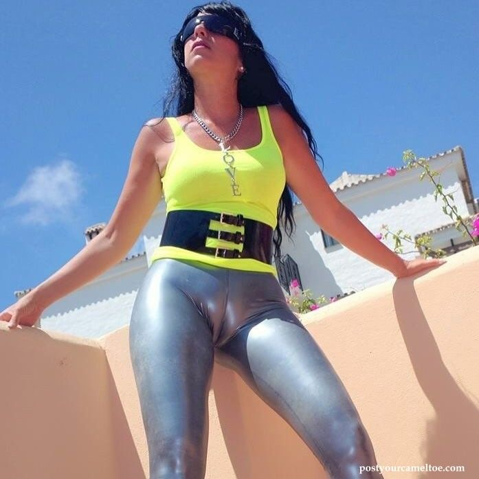 most viewed - rubber clothing cameltoe picture - free cameltoe pics