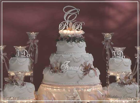 Fancy Wedding Cakes With Initials