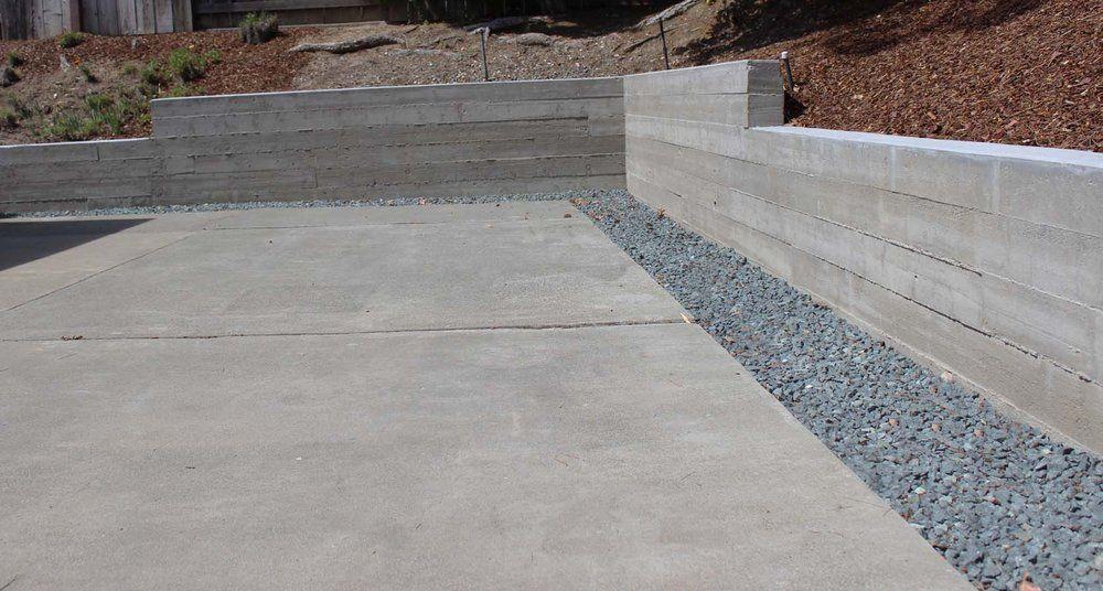 Landscape Concrete Retaining Wall חיפוש ב Google Concrete Retaining Walls Board Formed Concrete Cement Walls