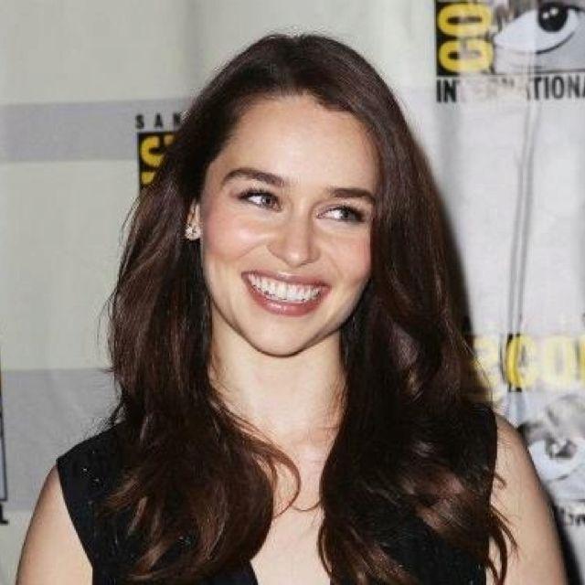 Danarys Comic Con 2012 Emilia Clarke Beauty Hair