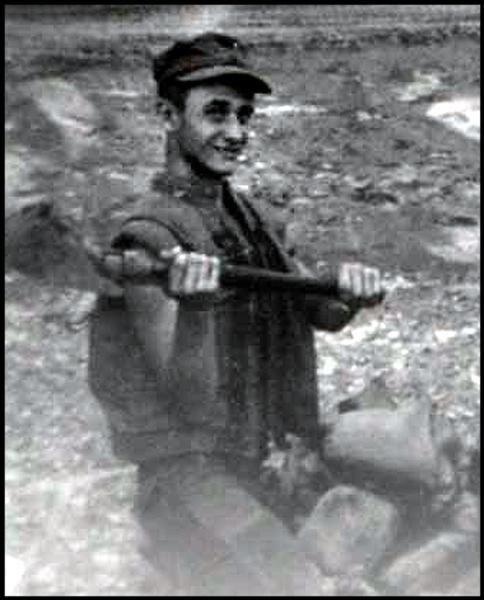 Virtual Vietnam Veterans Wall of Faces | RICHARD J GIEBE | MARINE CORPS