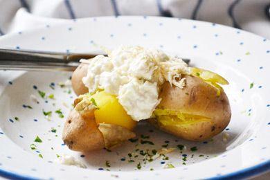 Das Rezept von der Krensauce schmeckt lecker zu Fondue, aber auch zu Folienkartoffel oder zu Geselchtem.