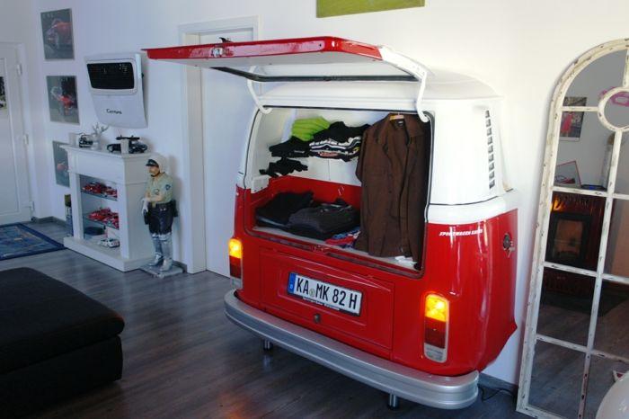 New kleiderschrank aus autoteilen gemacht in wei und rot