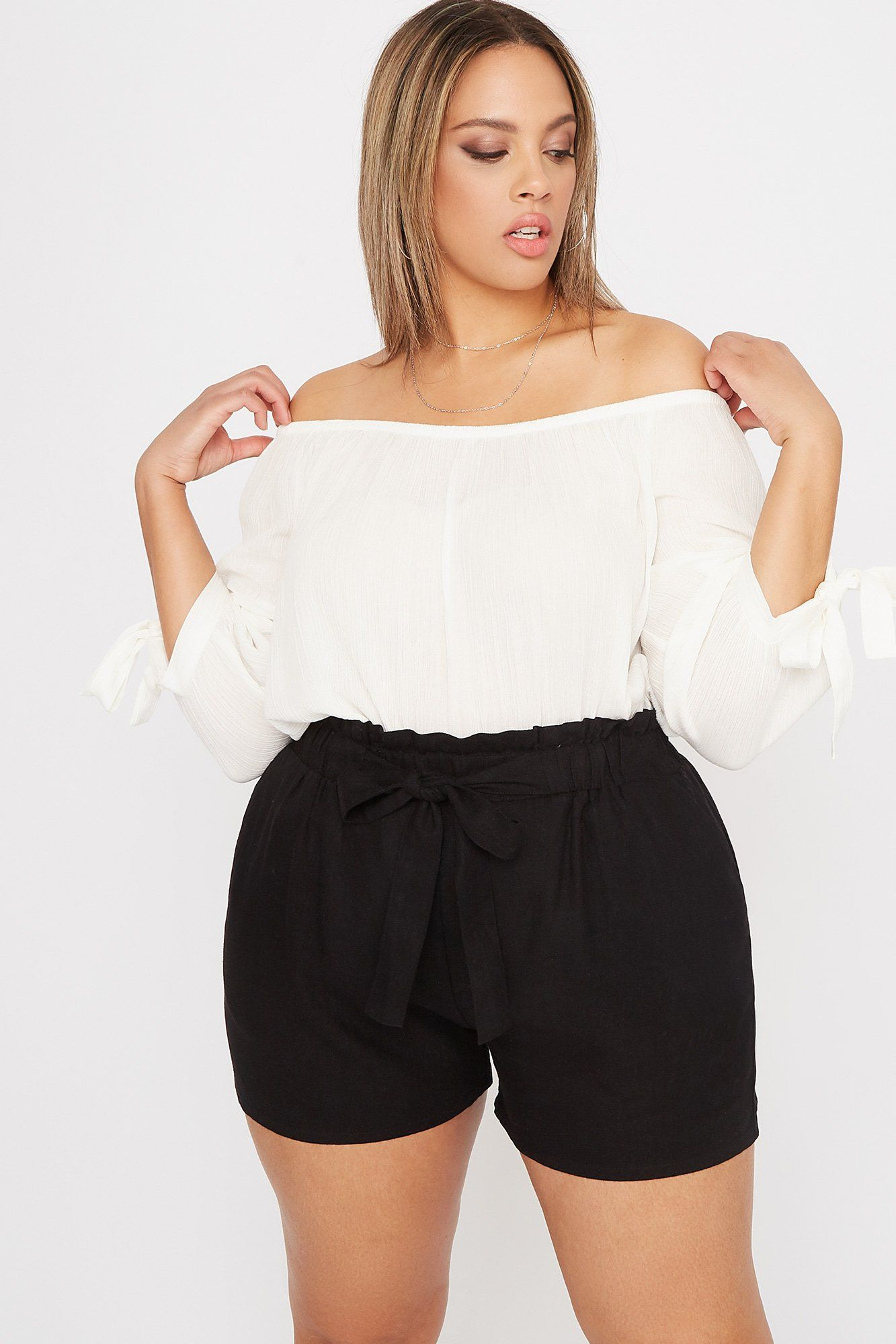 Photo of Plus Size Linen High-Rise Tie Short – Charlotte Russe