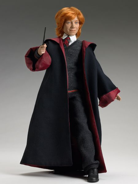RON WEASLEY™  at HOGWARTS™- Harry Potter series - Tonner Doll Company