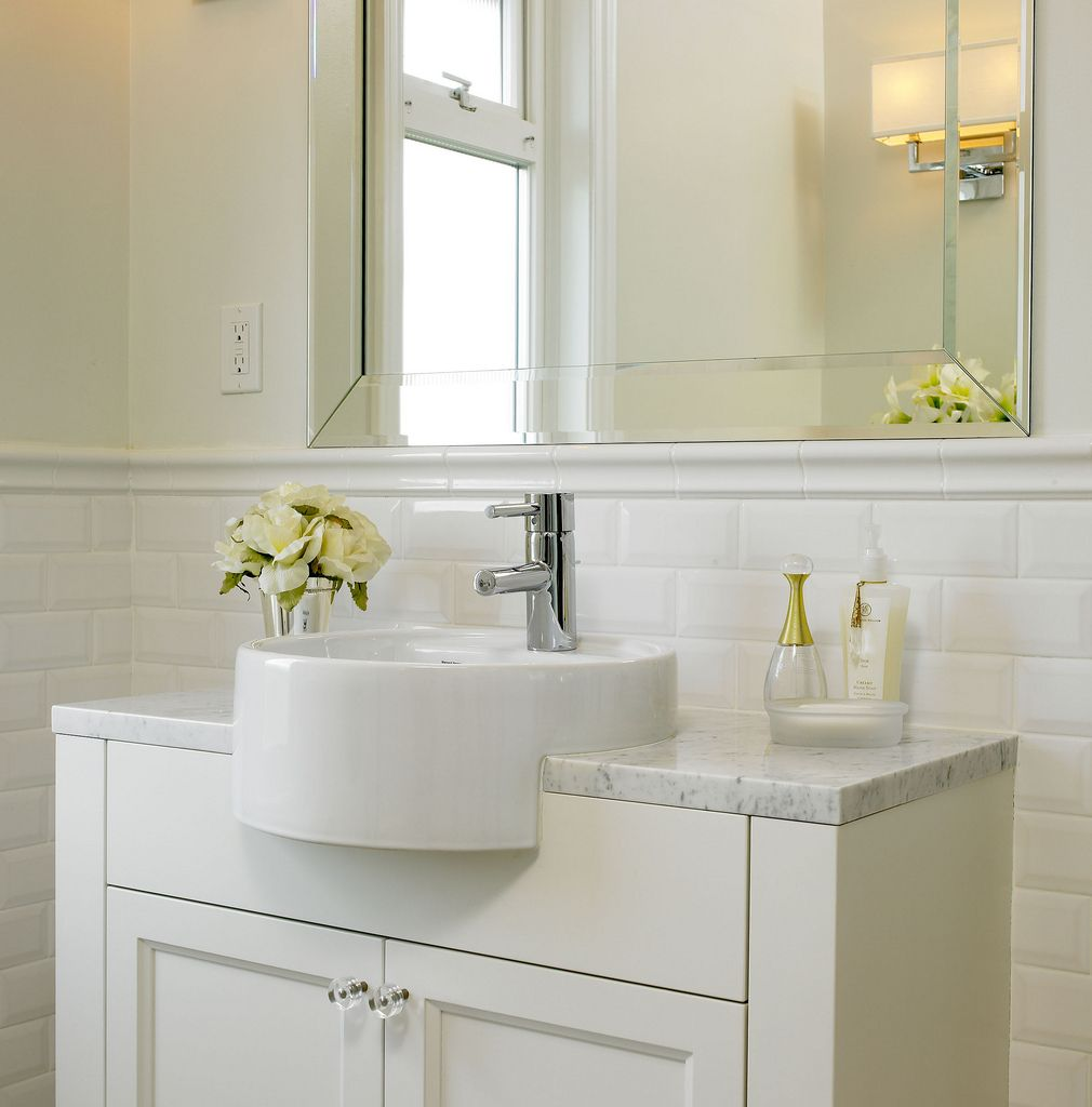 Subway tile 42 tall wainscoting with bullnose top rail for Bathroom ideas subway tile
