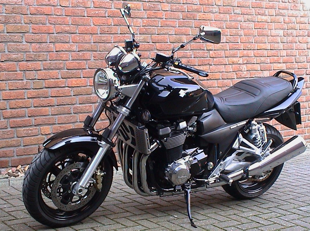 suzuki gsx 1400 nackeds guapas pinterest suzuki gsx. Black Bedroom Furniture Sets. Home Design Ideas
