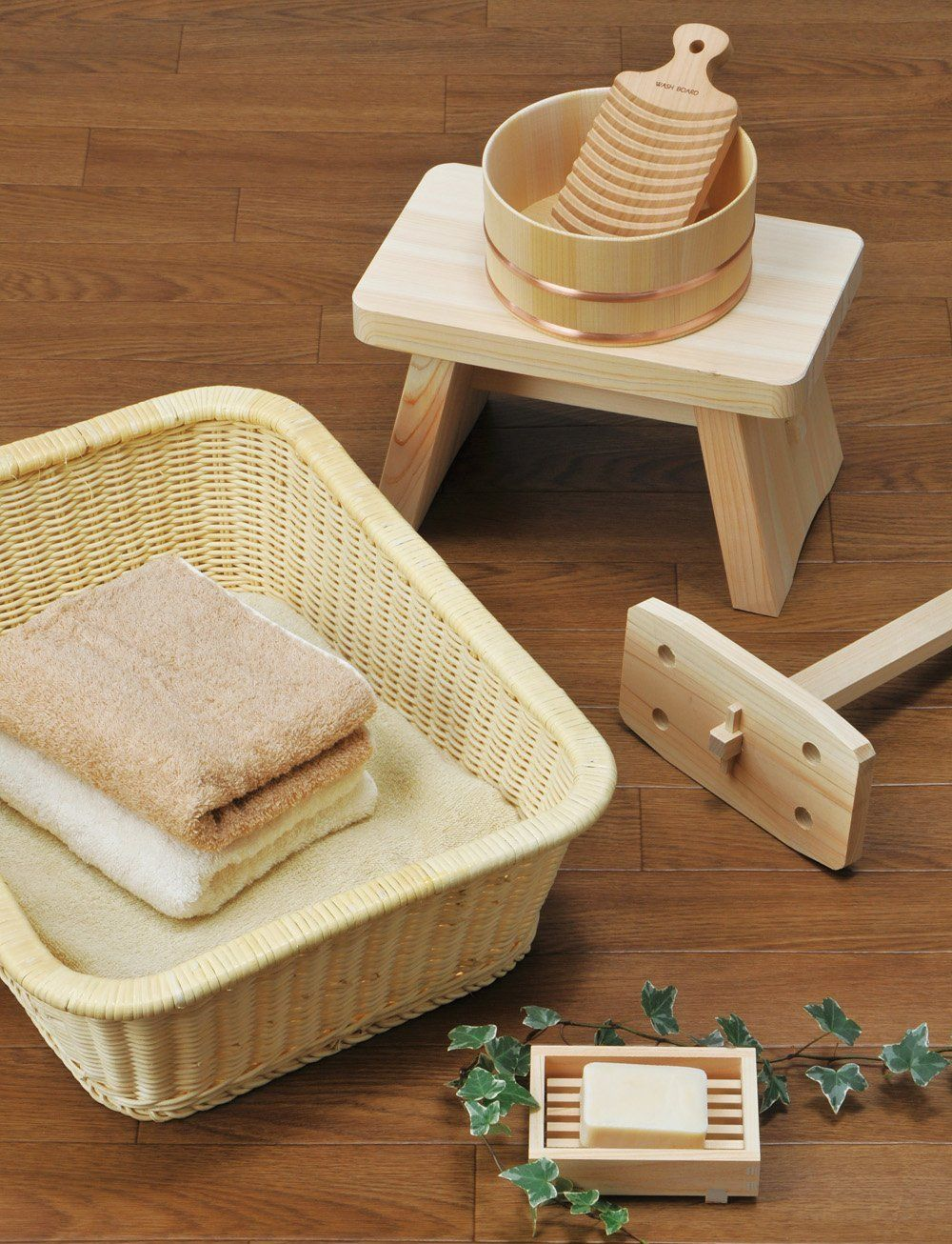 Amazon.com - Bath Chair of Japanese Cypress(Hinoki) Bath Goods ...