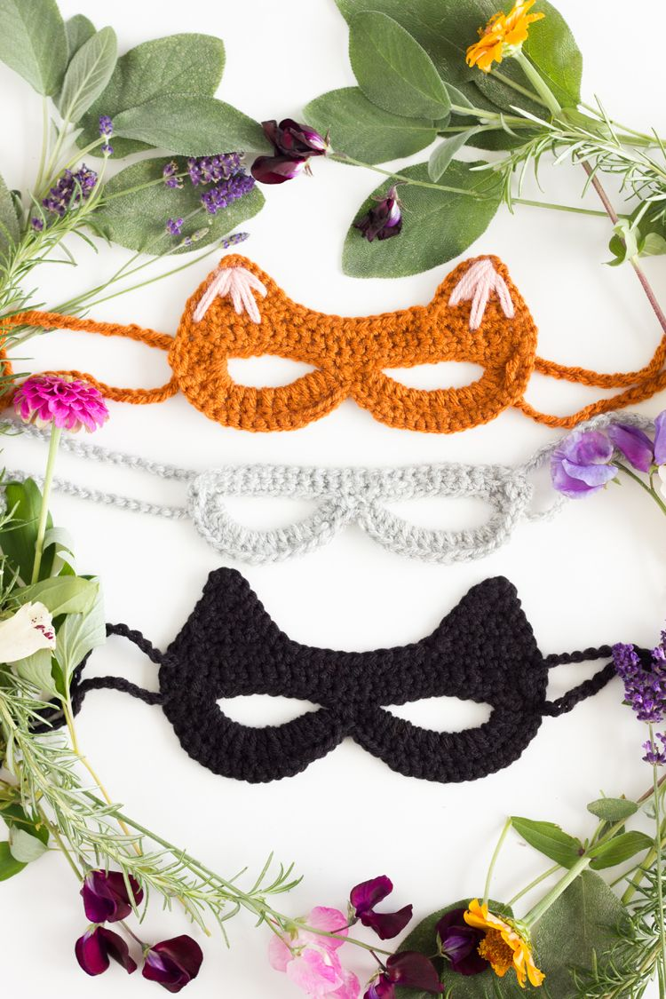 Crocheted Cat Mask: free pattern + tutorial // www.deliacreates.com ...