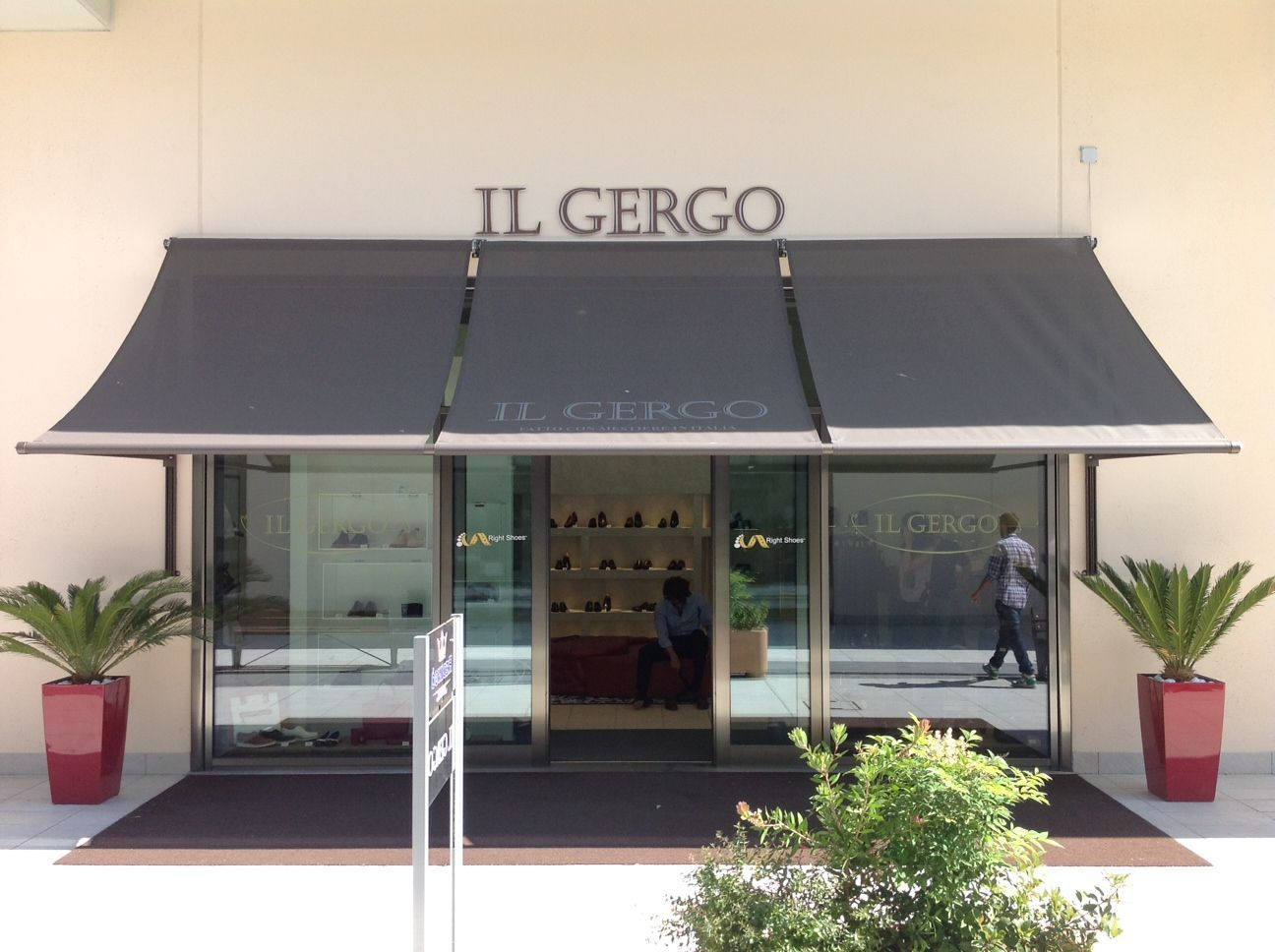 """Foot Scanner Point Right Shoes IL GERGO, outlet Brand Village """"il ..."""