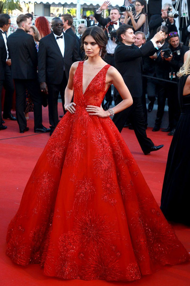 Sara Sampaio in Zuhair Murad   All the Looks from the Cannes Film Festival Red Carpet   Pret-a-Reporter