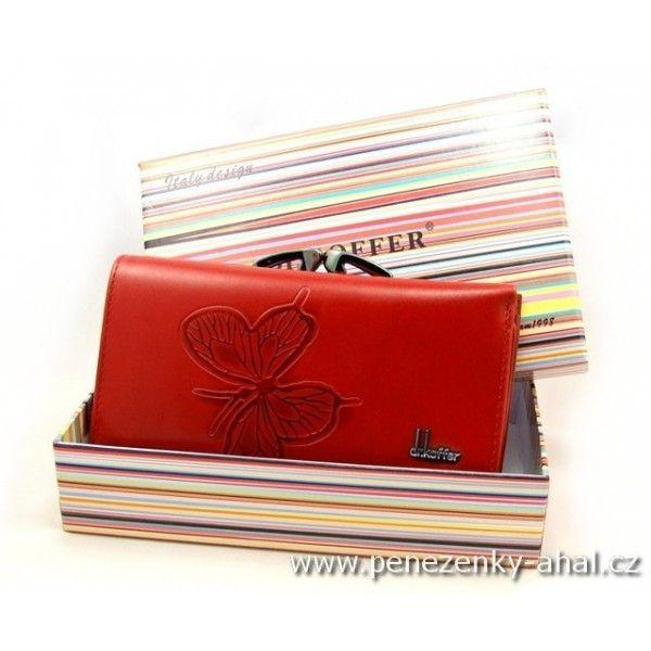 7bb31b5dc7a Luxusní peněženka kožená dámská má oddělený mincovník od bankovek