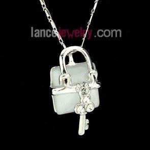 Elegant crystal lock pendant necklace