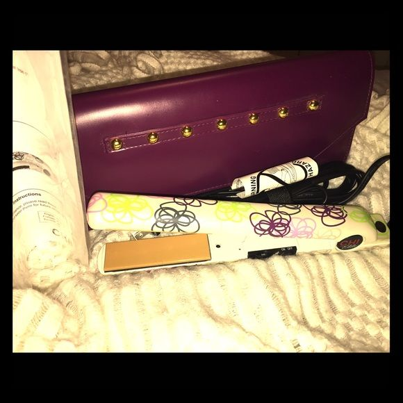 "LOWER PRICE!!! BRAND NEW Chi 1"" Flat Iron BRAND NEW 1"" Chi limited edition flower pattern flat iron. Never used. Comes with carrying case and still has all the original paperwork. Paid $120 at Ulta. No box included. Chi Accessories Hair Accessories"