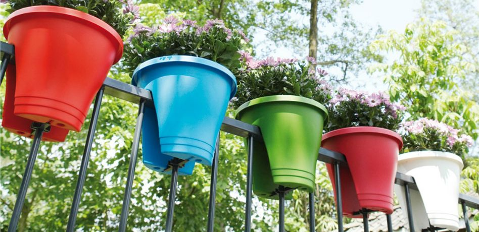 Set of 2 Blue Flowers /& Garden Metal Round Hanging Fence Railing Flower Plant Pot