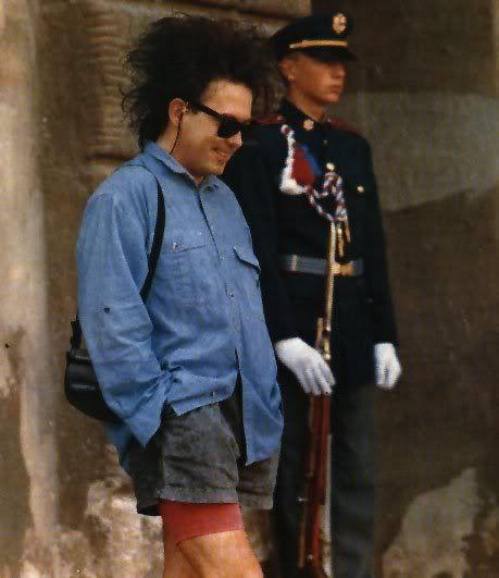 Robert Smith in shorts (!!)