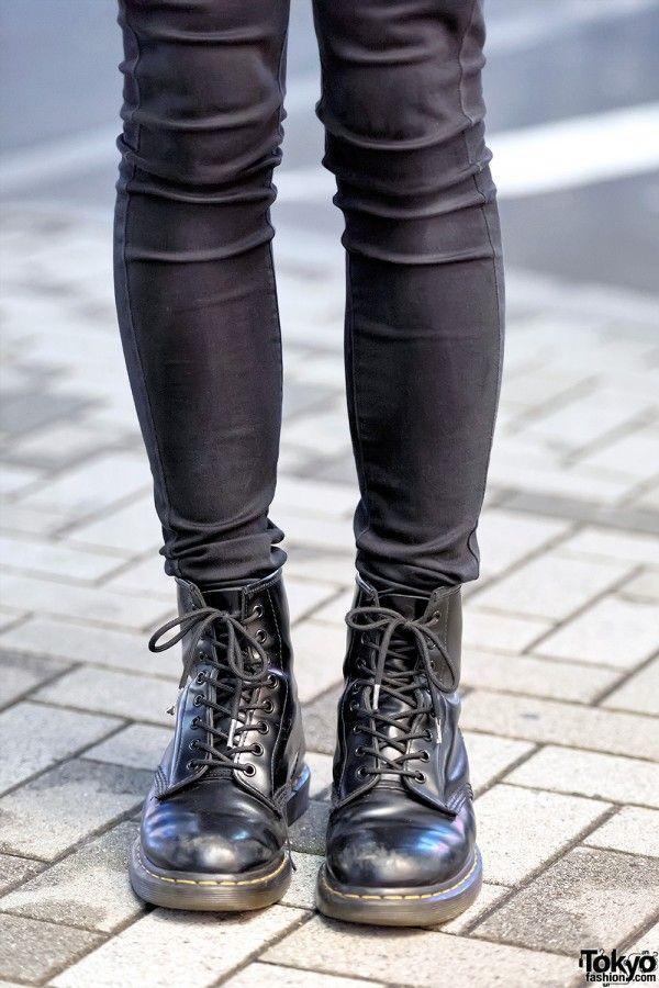 UNIQLO Skinny Jeans x Dr. Martens Boots  23e7089b3fe3