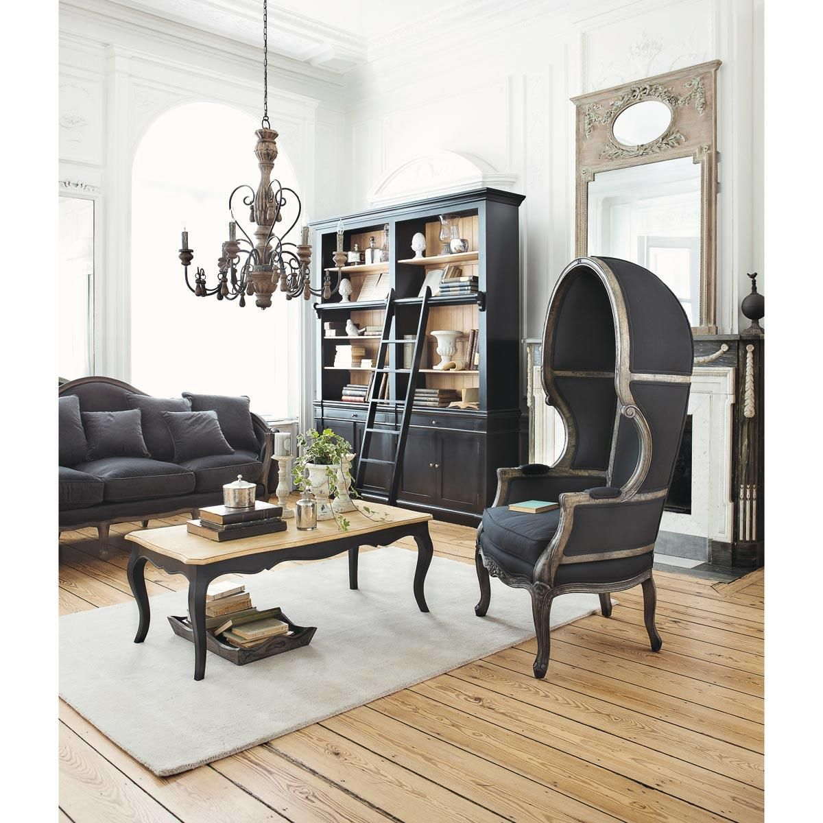 table basse noire classique versailles maisons du monde. Black Bedroom Furniture Sets. Home Design Ideas