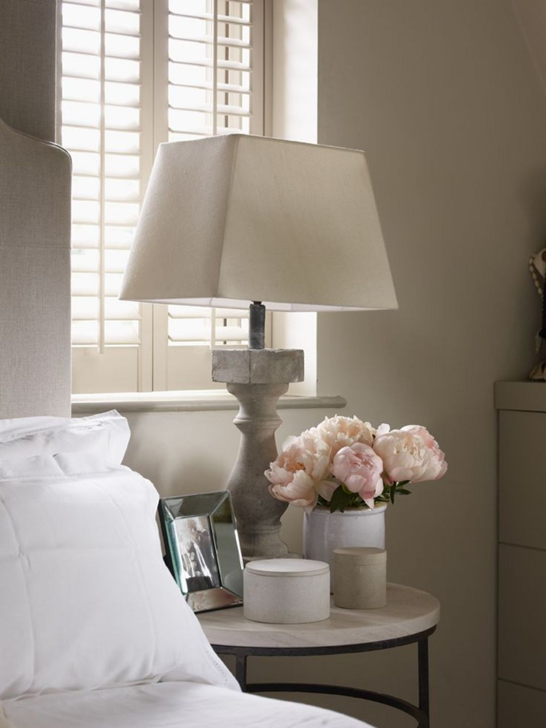 12 Awesome Bedside Table Lamps Ideas Decor It S Nightstand Decor Home Transitional Living Rooms