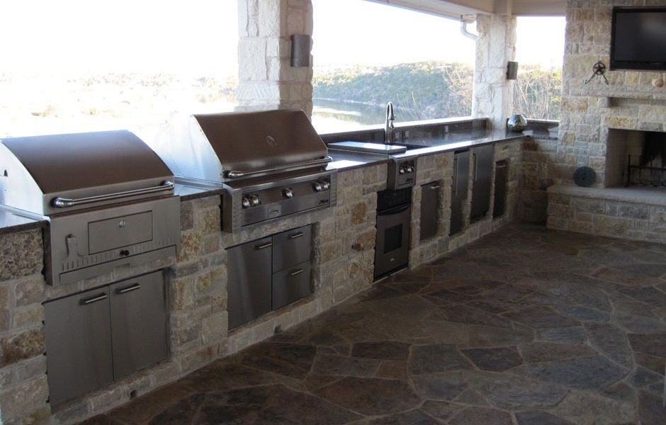 Alfresco Outdoor Kitchen With Built In Charcoal Grill