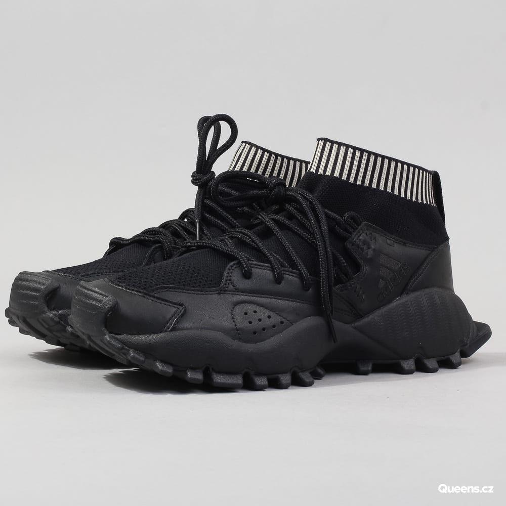 adidas Seeulater PK cblack   cblack   cbrown za 2 790 Kč  Kotníkové pánské  tenisky od značky adidas s pojmenováním Seeulater PK v černém provedení s  bílými ... 35f626093ff