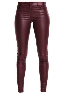 f5cdac956f7c7 Vêtements Vero Moda VMSEVEN - Jeans Skinny - decadent chocolate marron  foncé…