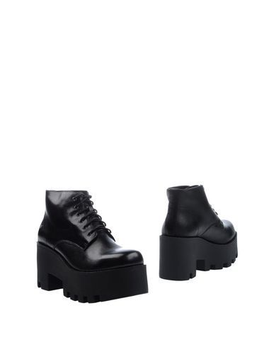 WINDSOR SMITH Women's Ankle boots Black 7.5 US