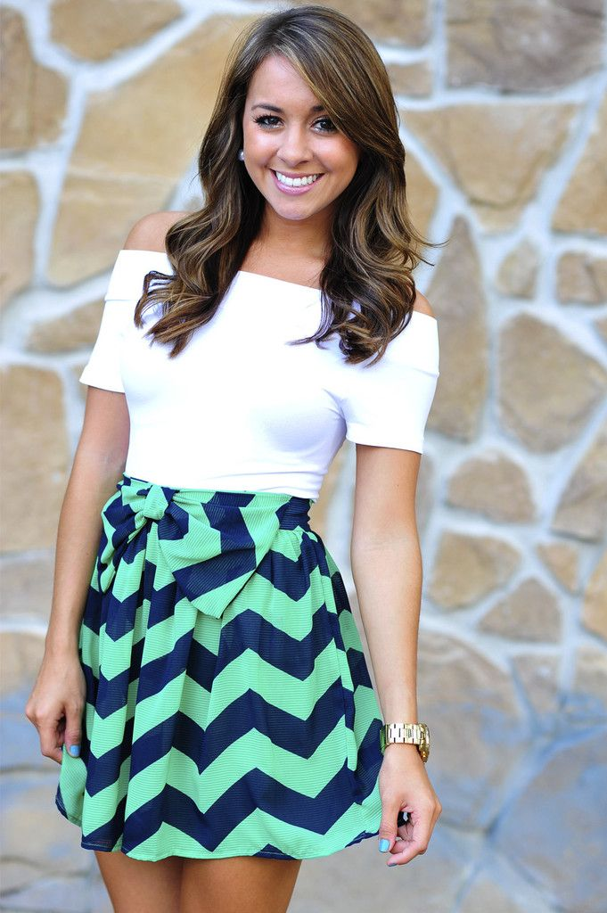 Off the shoulder shirt annnnd a chevron skirt?! Come on.