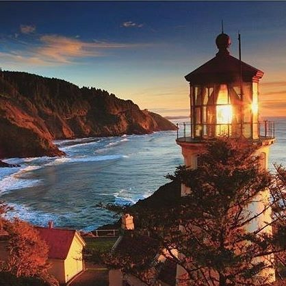 Heceta lighthouse, USA This beauty can be found in Oregon. @travelbugwanderlust recommends: Blue Pool Portland is SO much fun Eugene - amazing bike paths, and many fun people Florence and Tillamook, In-land: the sisters, mount hood, mount bachelor and crater lake nature wise. In-land favourite city: BEND! When in Oregon take a ton of time and travel around a lot. Bring your hiking shoes!! #travelintoliving #VisitTheUSA