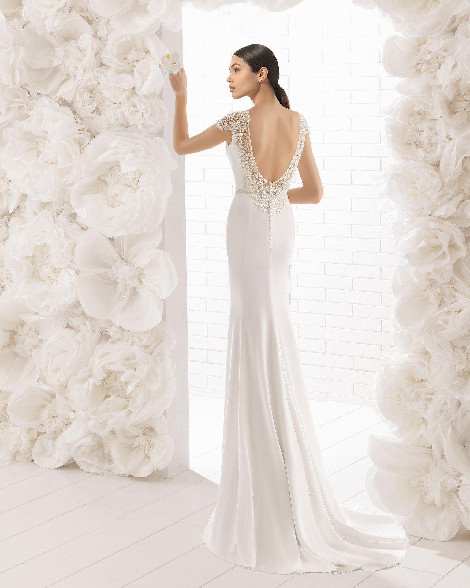 Wedding dress with bow on back  dmbntqenhoudfront