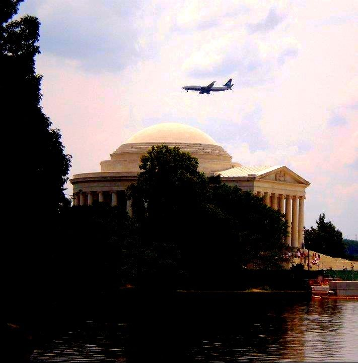 Jefferson Memorial across the Potomac river