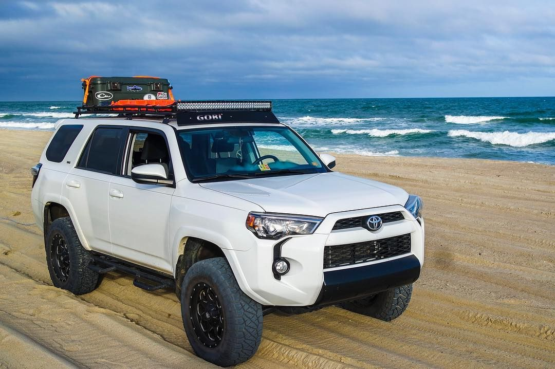 This Is The Look I M Going For With My 5th Gen Black Valance And Gobi Stealth Rack Toyota 4runner Trd Toyota 4runner Sr5 Toyota 4runner