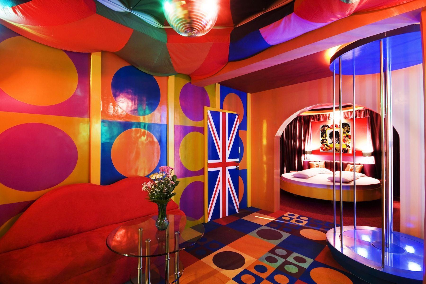Victoria Court   Party Rooms/Suites   Austin Powers