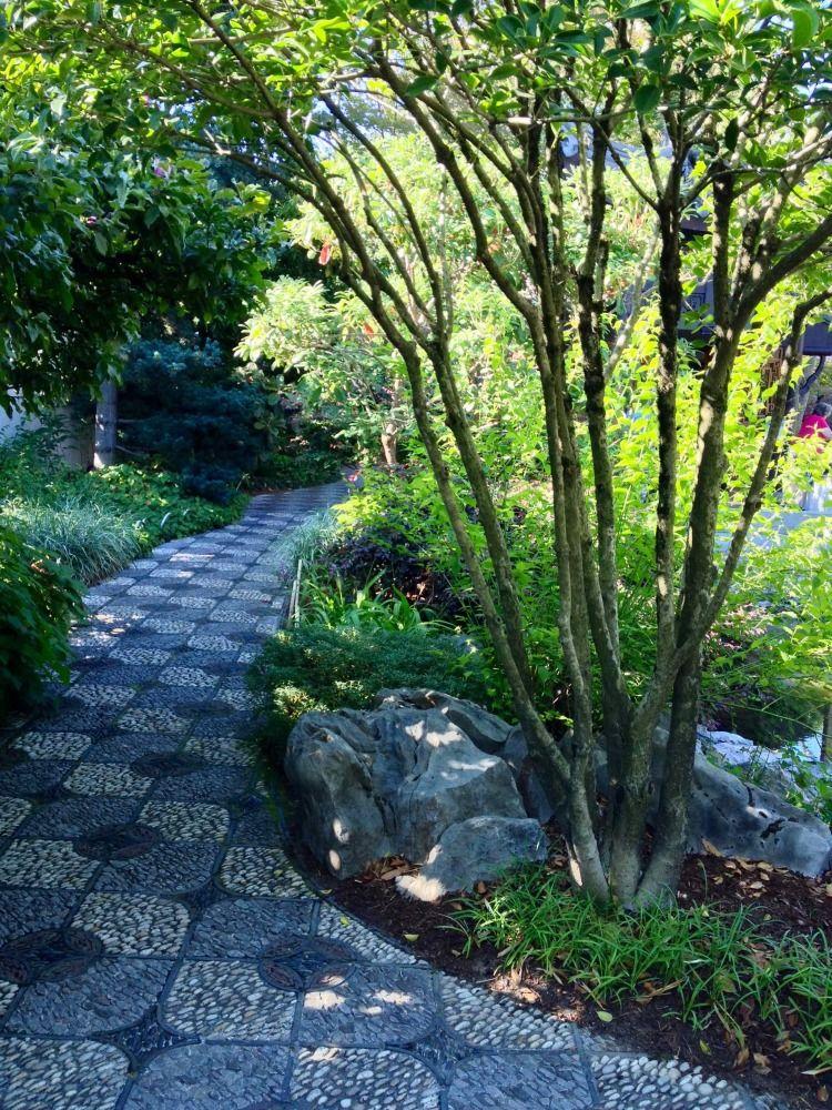 Lan Su (wwwlansugardenorg) is a great example of urban garden