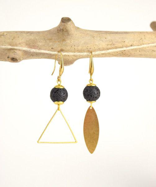 Labradorit - ||RIGEL• Lava-Steinen Ohrringe - ein Designerstück von Yatora bei DaWanda
