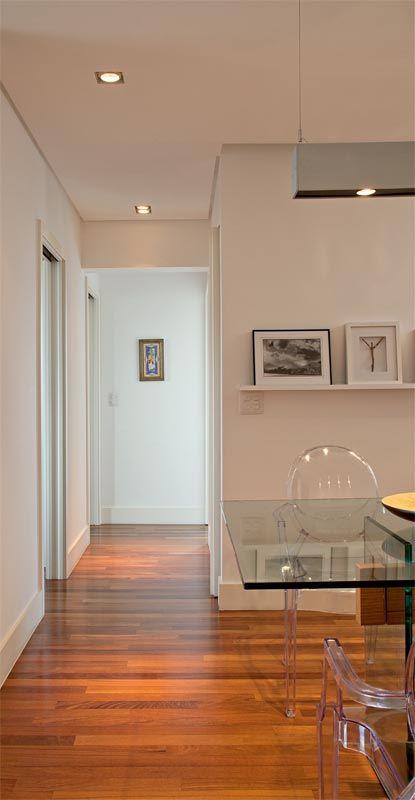 Apartamento pequeno parece maior e mais claro com a for Reforma piso pequeno