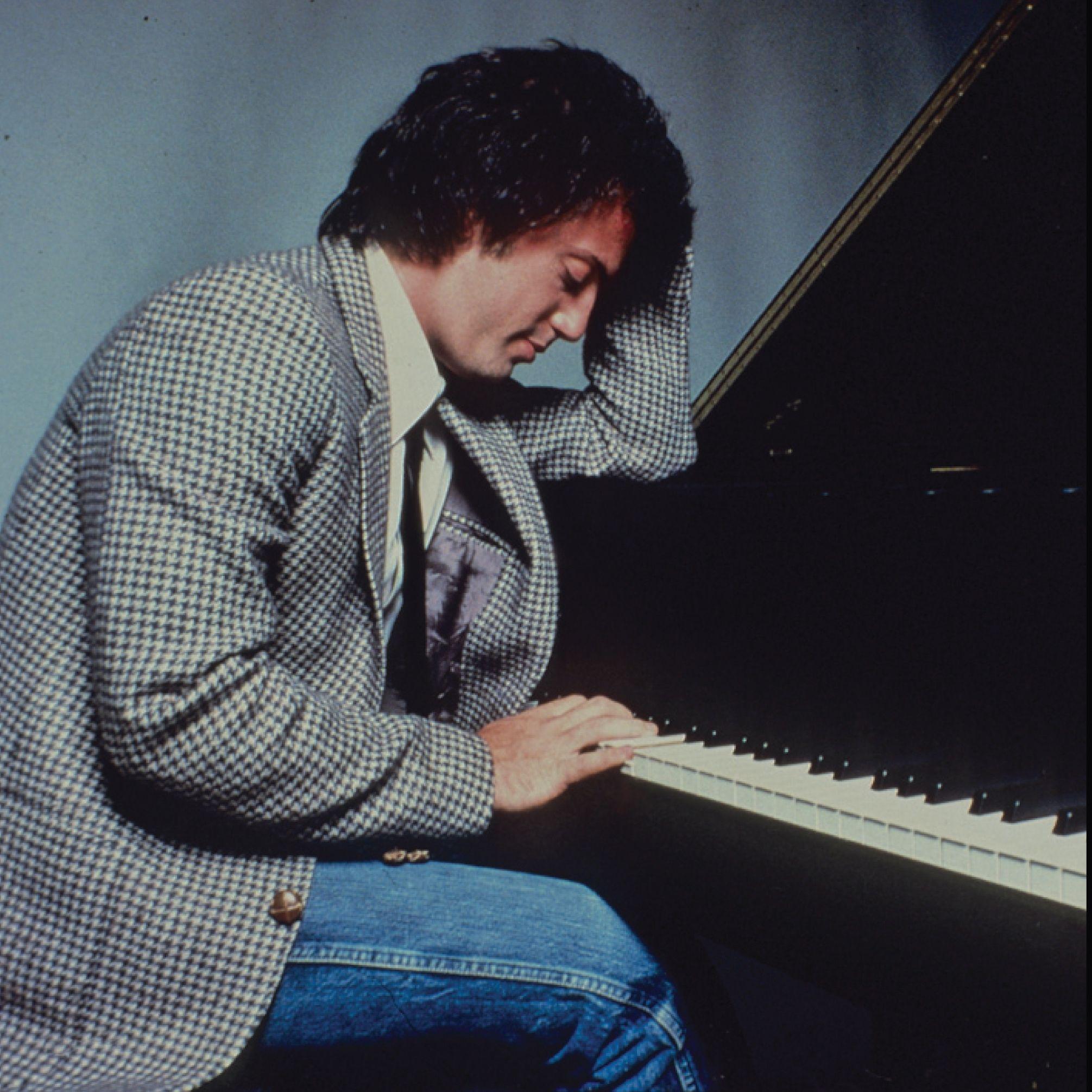 billy joel playing piano - photo #33