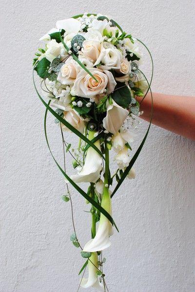 . - #wasserfall #bridesmaidbouquets