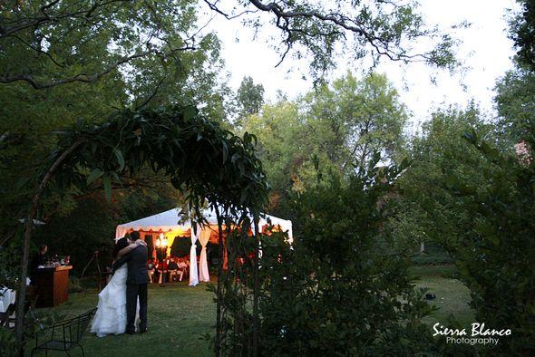 Creekside garden wedding in Sedona, Arizona.  #getmarriedinarizona #getmarriedinsedona #sedonaweddings #sedonaweddingvenues #sedonaweddingpackages #elopeinsedona #arizonaweddings #outdoorweddings #gardenweddings #tentweddings