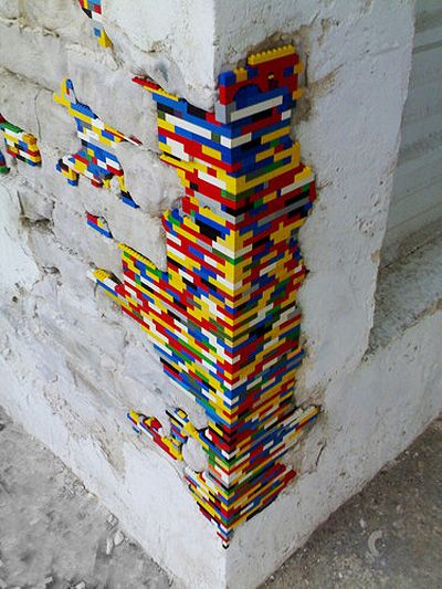 'Dispatchwork' artist Jan Vormann uses LEGO bricks to repair damaged walls. He started by patching-up surfaces in Bocchignano, Italy and has since employed the technique on walls in Tel Aviv and Berlin http://restreet.altervista.org/dispatchwork-larte-di-riparare-con-i-lego/