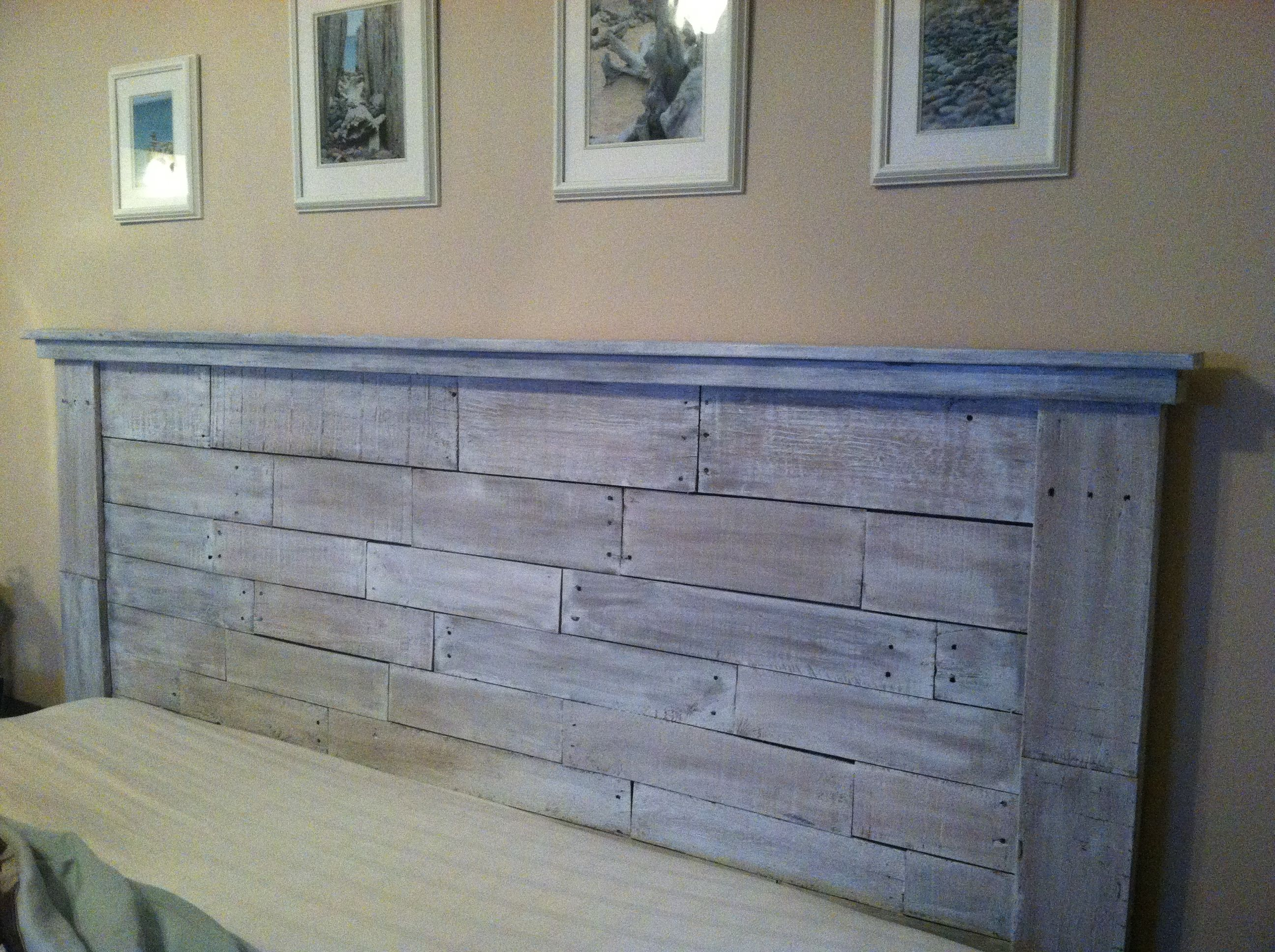 Pallet headboard diy pinterest for How to make a wood pallet headboard
