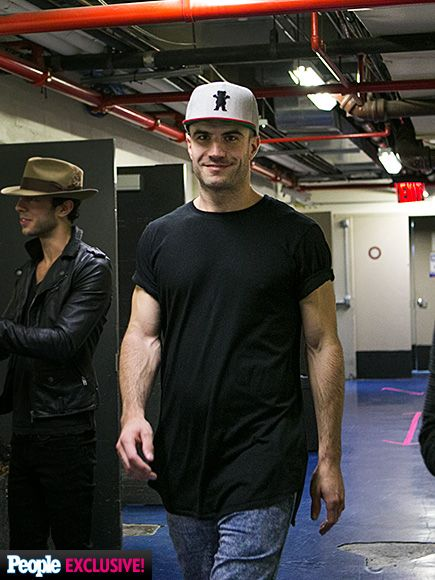 Photos backstage with three of countrys hottest guys sam hunt guys walk about bear y nice to see you sam hunt the singersongwriter is spotted wearing a sweet hat backstage following a few meet and greets m4hsunfo