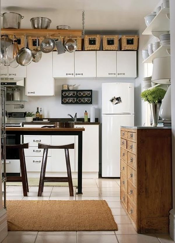 5 Ideas For Decorating Above Kitchen Cabinets Http Www Homedit