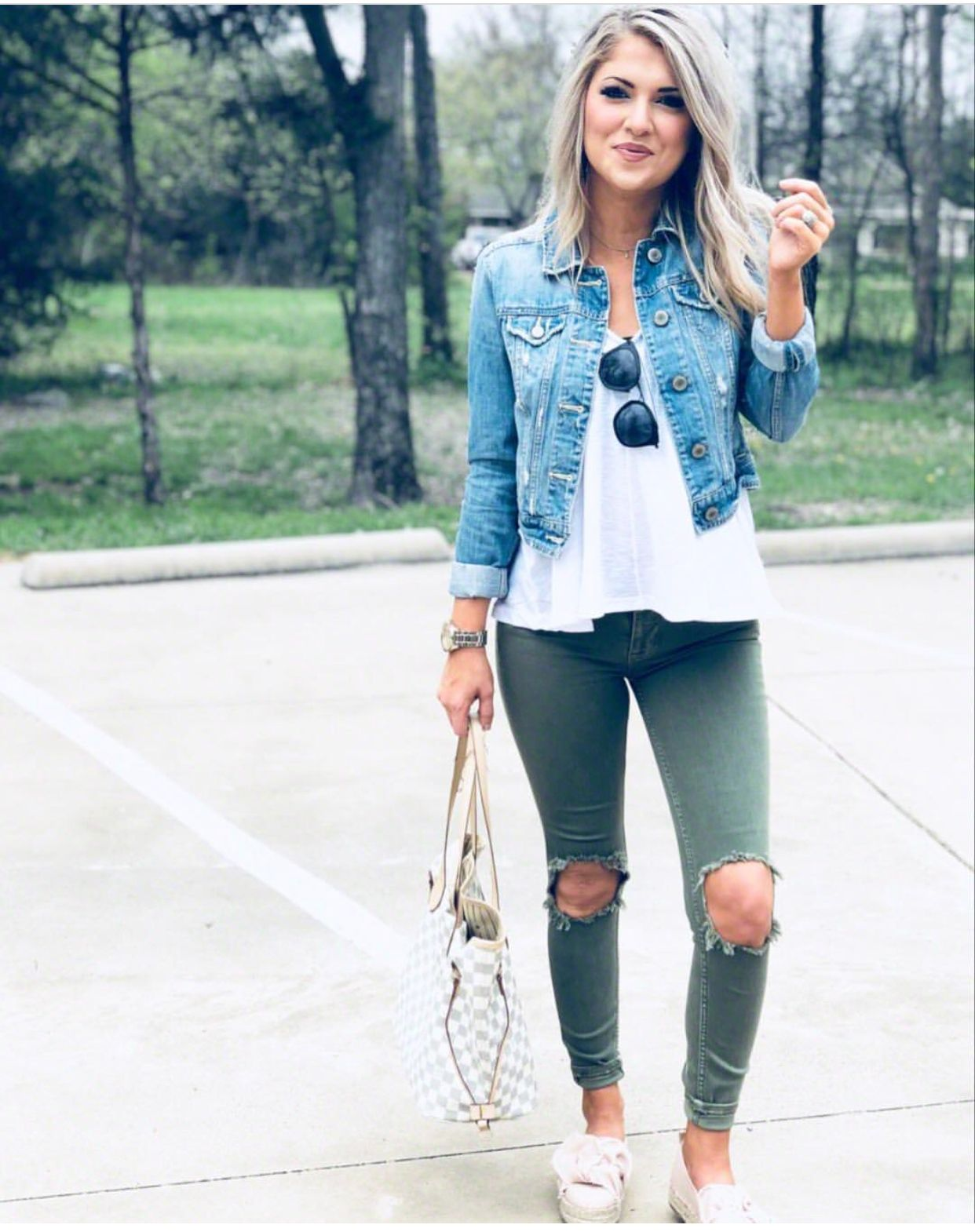 Ripped Green Jeans With A White Tee And A Jean Jacket Cute Ripped Jeans Outfit Fashion Cute Ripped Jeans [ 1570 x 1242 Pixel ]